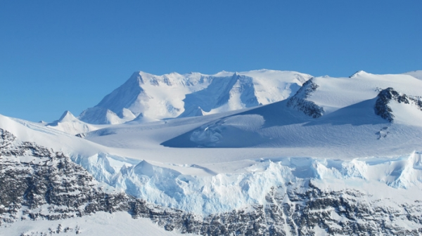 The Ellsworth Mountains are the highest mountain ranges in Antarctica (uk.wikipedia.org)