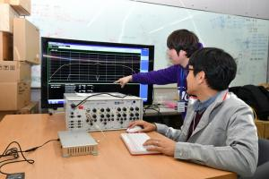 KT Develops Korea's First Vehicle Object Communication Technology Terminal